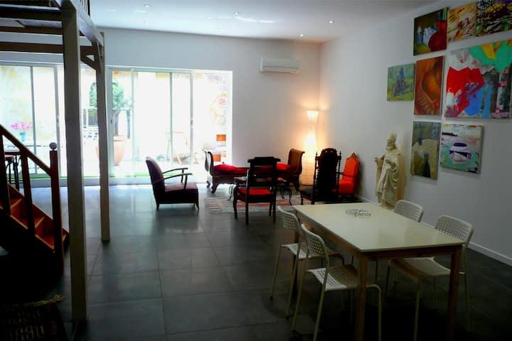 Loft centre Sète avec patio