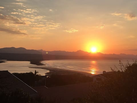 Dolphins View, Apartment with Sea View in Plett