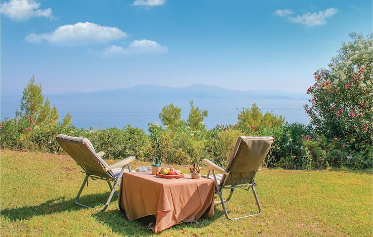 Holiday cottage with 2 bedrooms on 130 m² in Melissi Xylokastro