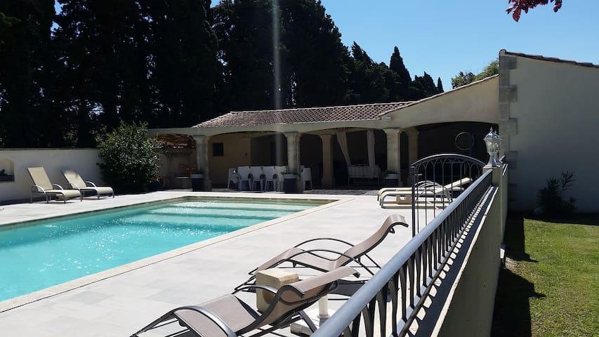 Très belle maison avec piscine en provence - Verquiéres - อพาร์ทเมนท์