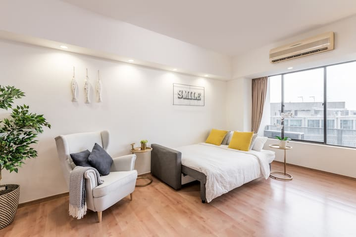 Spacious central downtown harbour view CBD 2BR