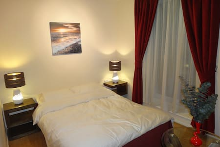 Cosy dbl room near Limehouse basin. - Londra