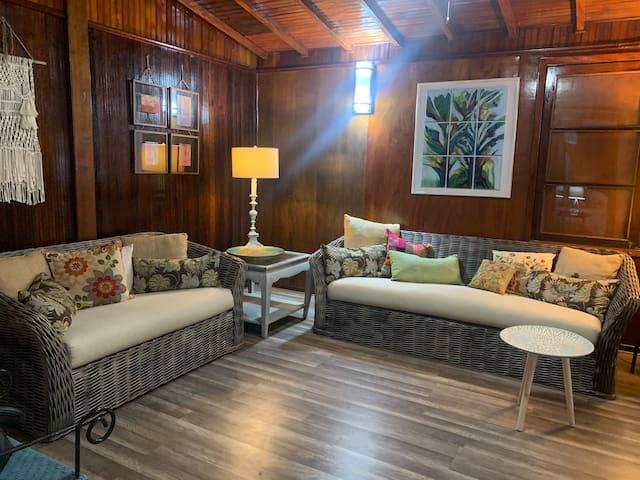 Unique Luxury Brazilian Mahogany Cottage Vintage!!