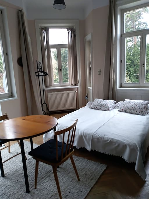 Zimmer für 2, Bett auch als Einzelbetten möglich Room for 2, bed can be seperated