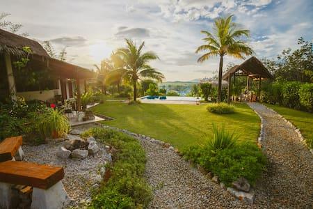 Alamanda Markisa Villa - Lush Garden Surrounding