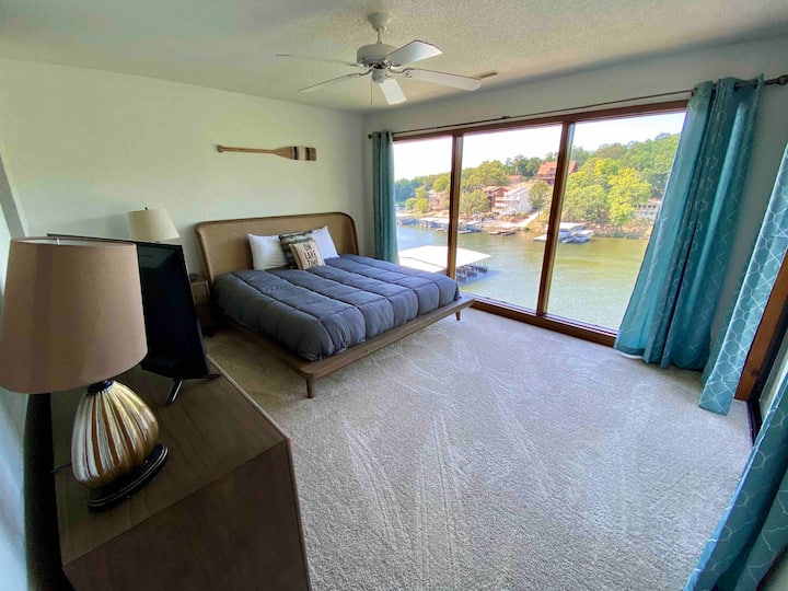 NEW to rentals*2 Bedroom, 2 Bath*Waterfront*