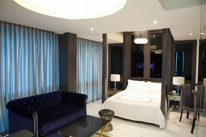 Hotel-Style Luxury Studio BGC, free WIFI
