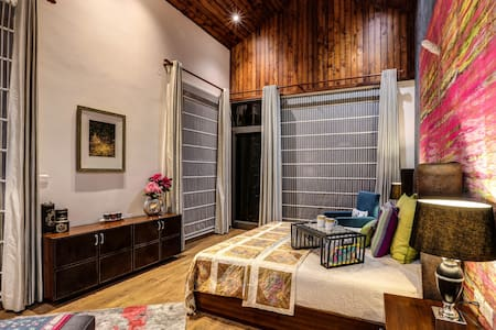The Hermitage: Emerald Villa - Suite 3 - Kasauli