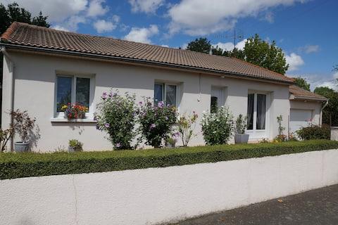 Maison entièrement rénovée à 25 mns du Puy du Fou.