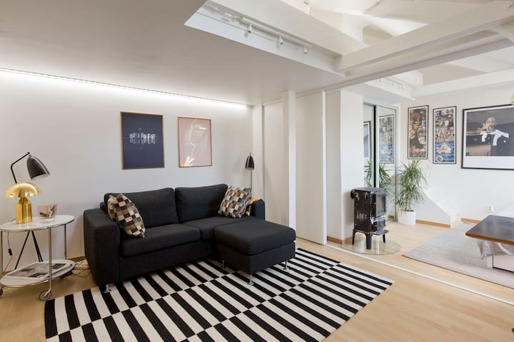 Central studio loft apartment w/ roof terrace