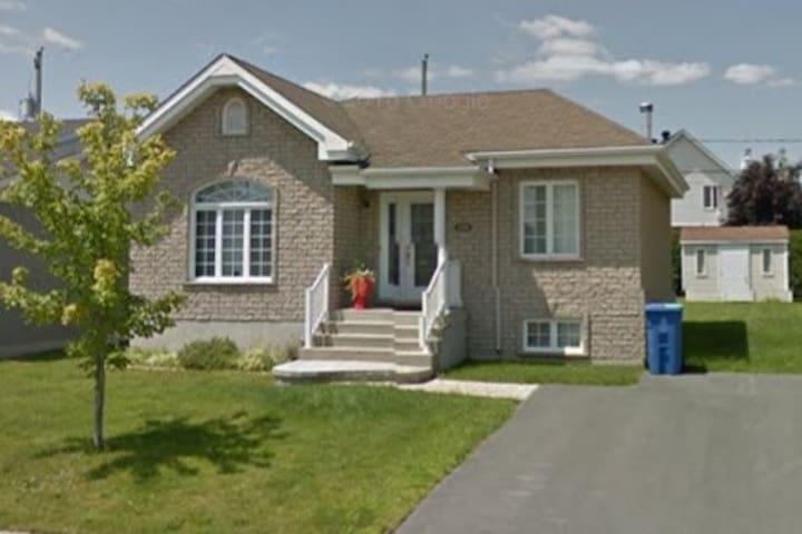Belle maison près de Montréal, Dix30 et Bromont