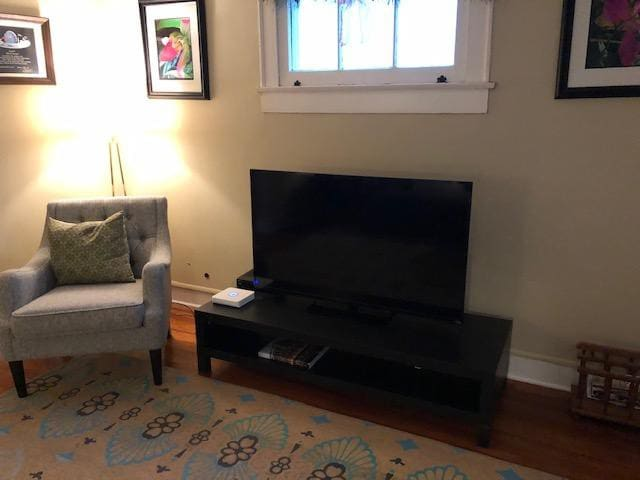 "Living room with 55"" smart TV"