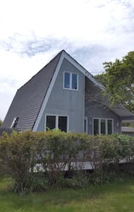 DITCH PLAINS SURF HOUSE
