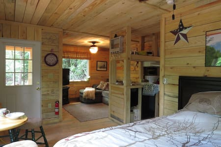 A Cabin in the Woods - Cleveland - Cabin