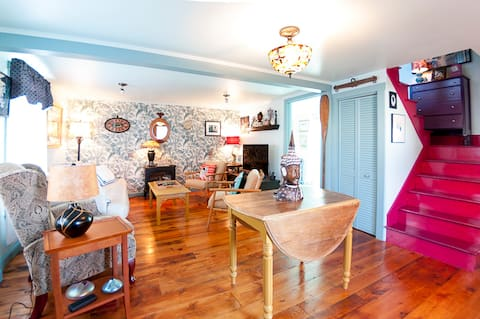 Cozy Cottage in Kittery Foreside