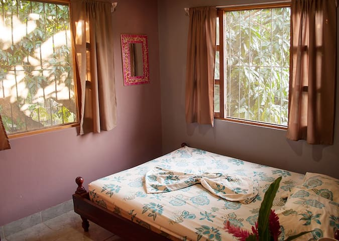 Double room Hostel Matilori - Sámara - Bed & Breakfast