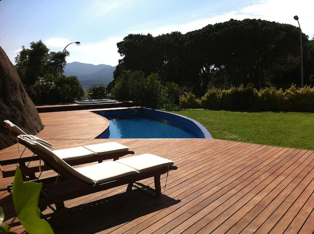 COZY VILLA WITH POOL & JACUZZI - Sant Feliu de Guíxols - Willa
