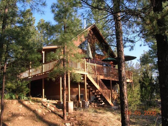 Beat da Heat & Enjoy Forest Cabin Mountain Retreat