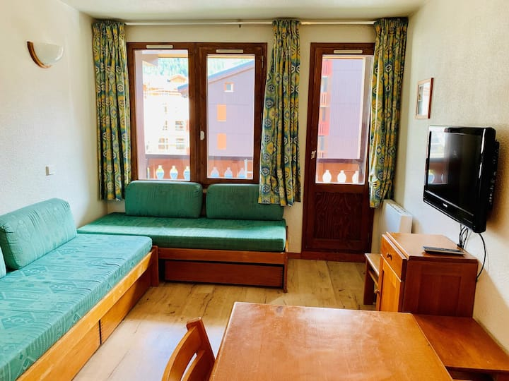 1 bedroom apartment for 4 people located in Val d'Isère, 350m away from town centre and 450m from the slopes