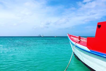 Retreat on Aruba's Sunrise Side w/ Breakfast! - Aamiaismajoitus