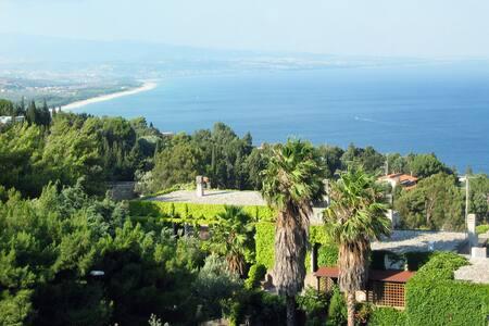villetta con giardino e vista mare - Santa Maria del Mare Torrazzo