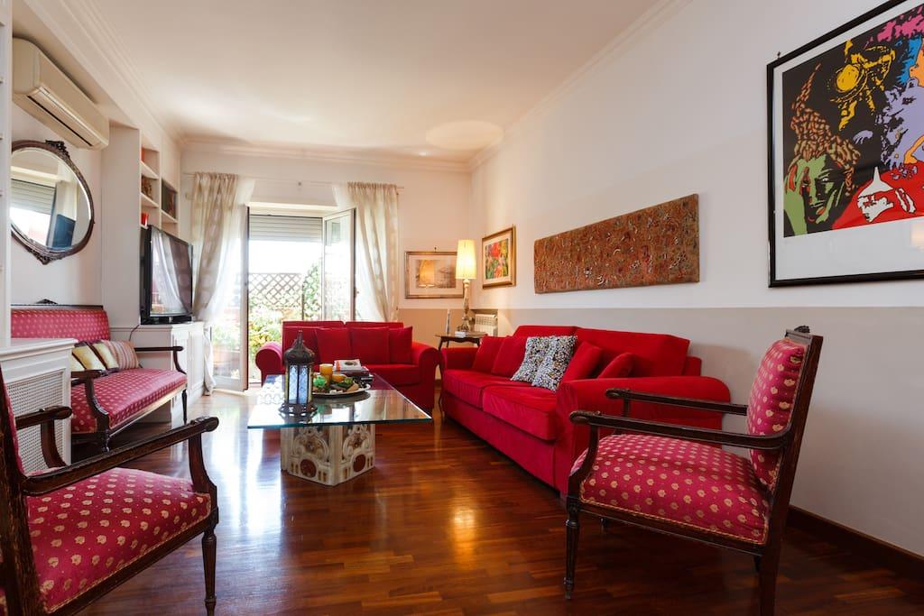 Elegante appartamento in centro appartamenti in affitto for Appartamenti centro roma