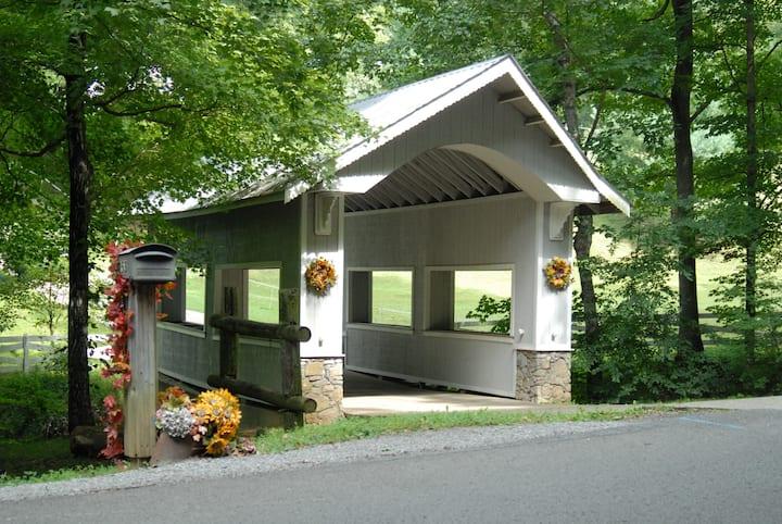 Knotty Pine Lodge 13.5 mi Nashville 30+ day Rental