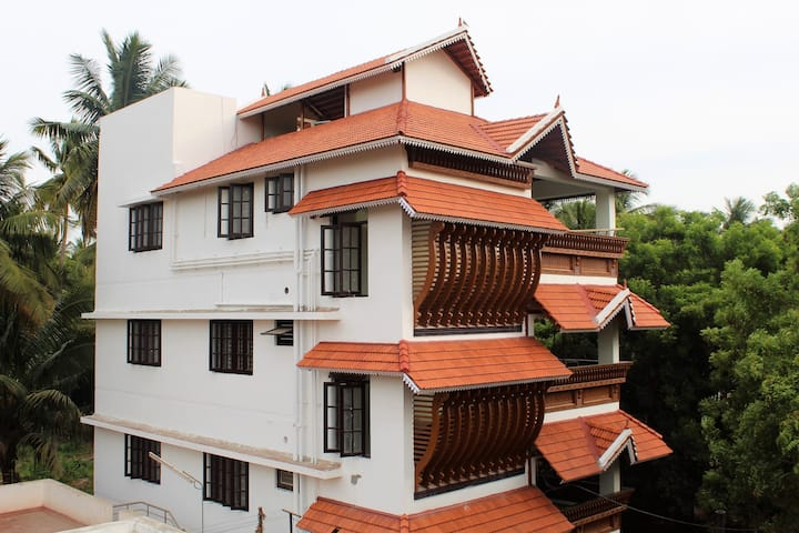 Indian Residency-5 Rooms, upto 16 persons can stay