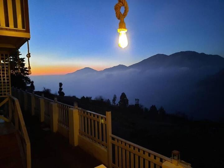 Rooftop Cottages & Restaurant, Pangot
