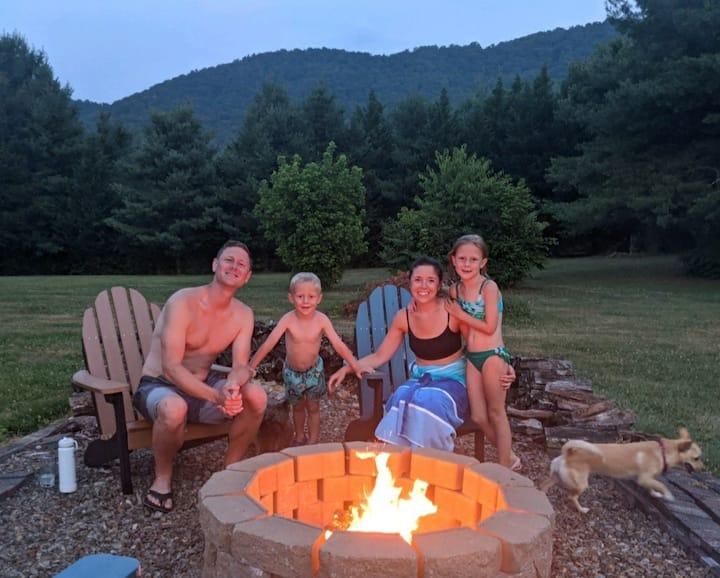 Cane Creek Valley Swim-Soak-Stay w/hot tub,firepit