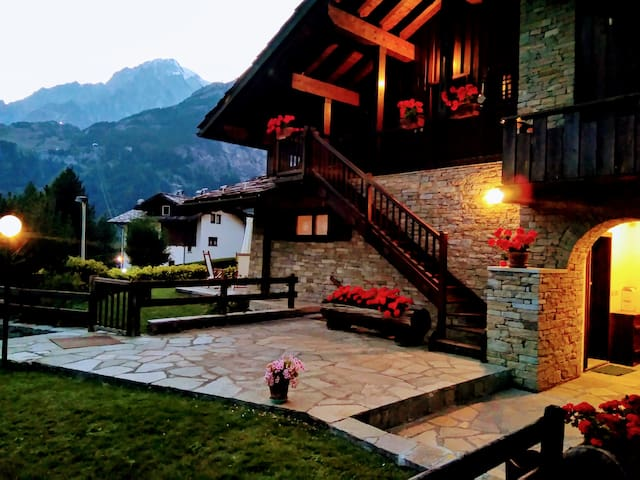 Charming chalet in front of Mont Blanc
