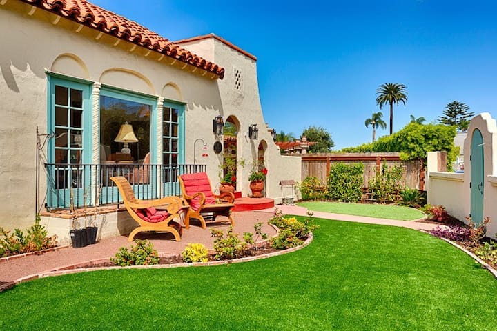 House Situated Near La Jolla Cove - San Diego - House