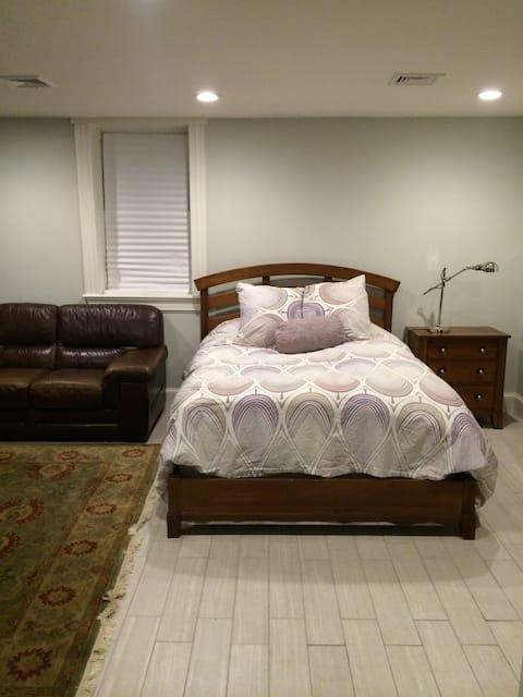 Beautiful Private Lg Space/ Clean Comfy