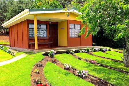VILLA: Espaciosa y confortable - Cartago, Costa Rica