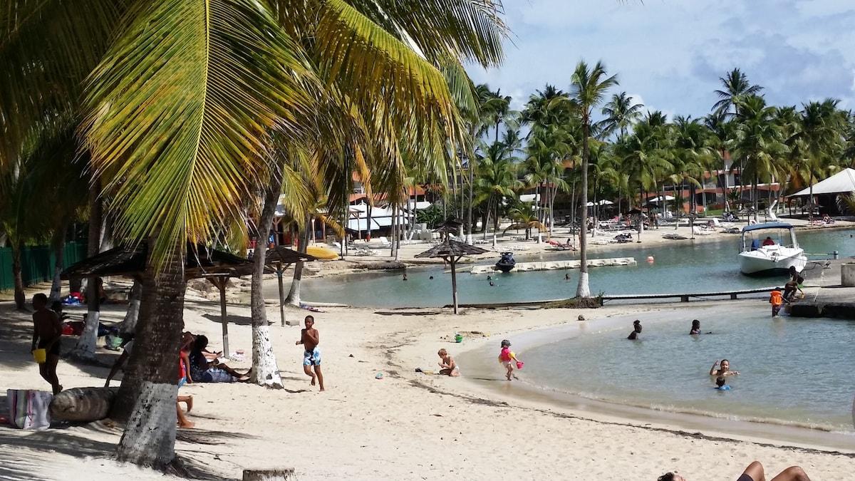 Plage De Bas Du Fort Holiday Rentals Homes Grande Terre Guadeloupe Airbnb