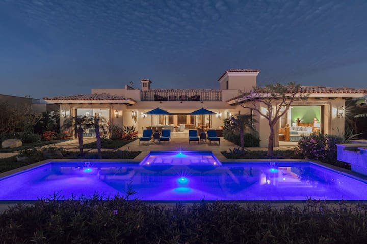 Unique Villa w/ Pool, Hot Tub, 10-Acre Lagoon!