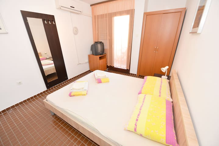 Georgina - Studio apartment with air con in Gajac