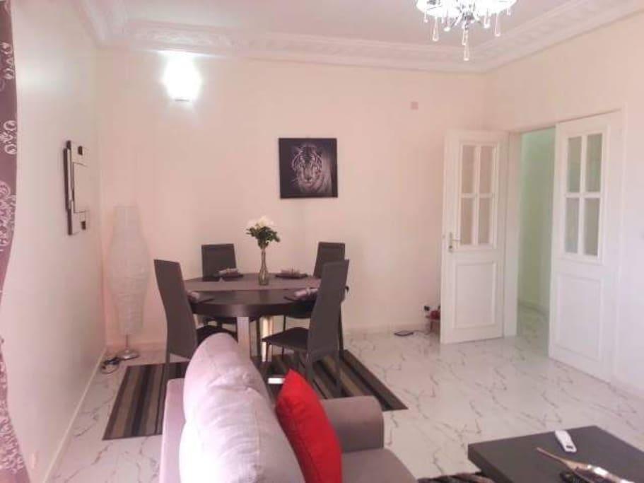 superbe et spacieux appartement f3 apartments for rent in dakar dakar senegal. Black Bedroom Furniture Sets. Home Design Ideas
