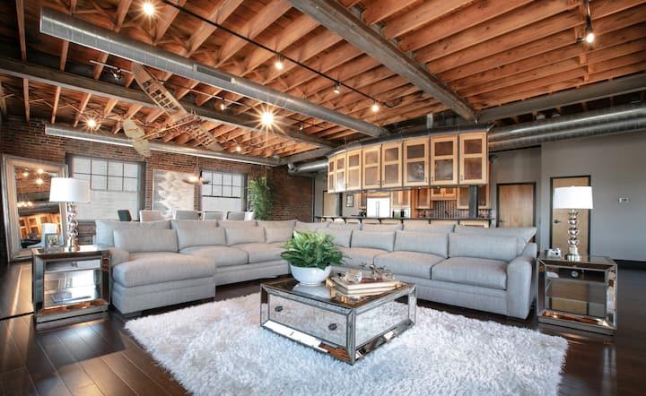 The Aviators Penthouse Loft