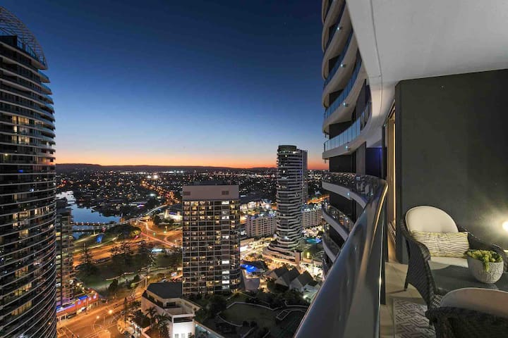 Seaside Stunner, Level 29, The Oracle Broadbeach