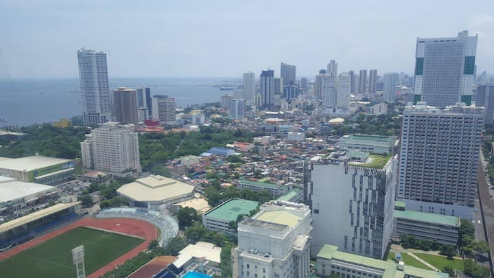 Spacious studio unit with great view of Manila