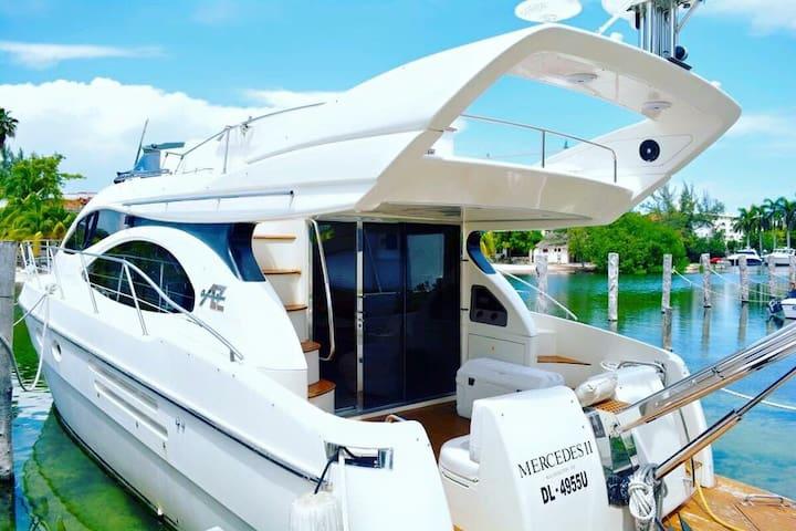 Classic Fancy Azimut 48 Boat
