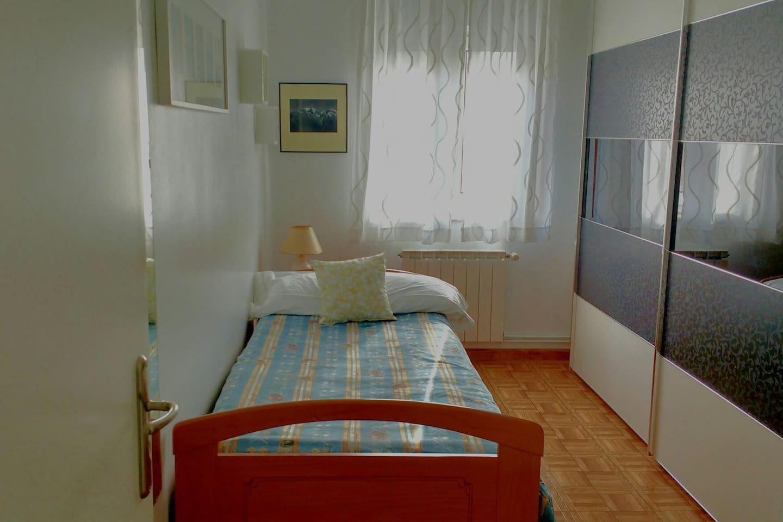 La habitación y su armario