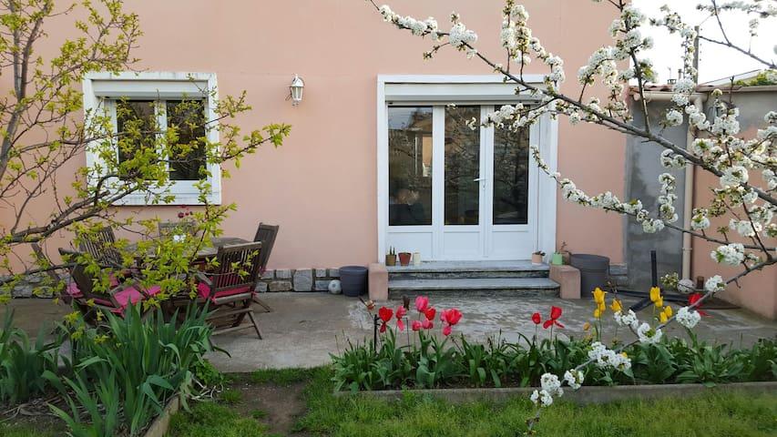 Belle maison de ville 90 m2, jardin - Narbonne - Rumah
