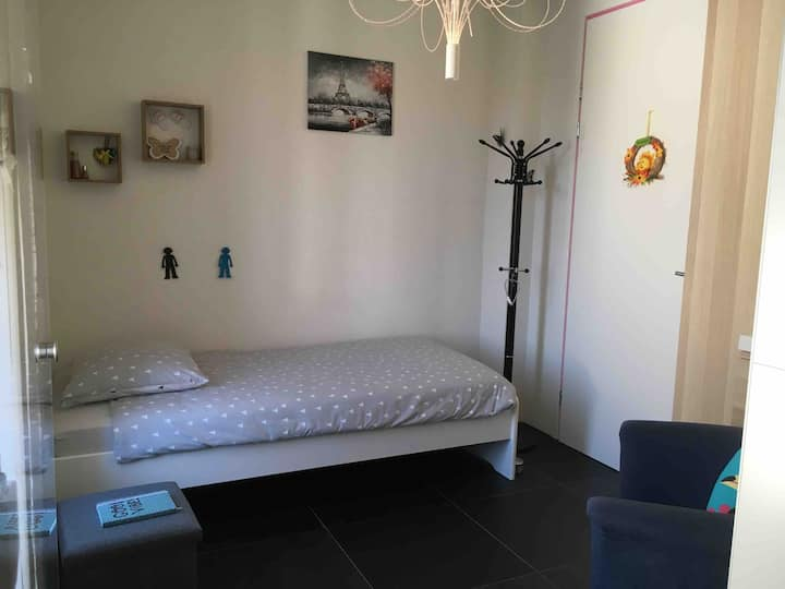 1-persoonskamer in ruime woning in Kapelle Zeeland