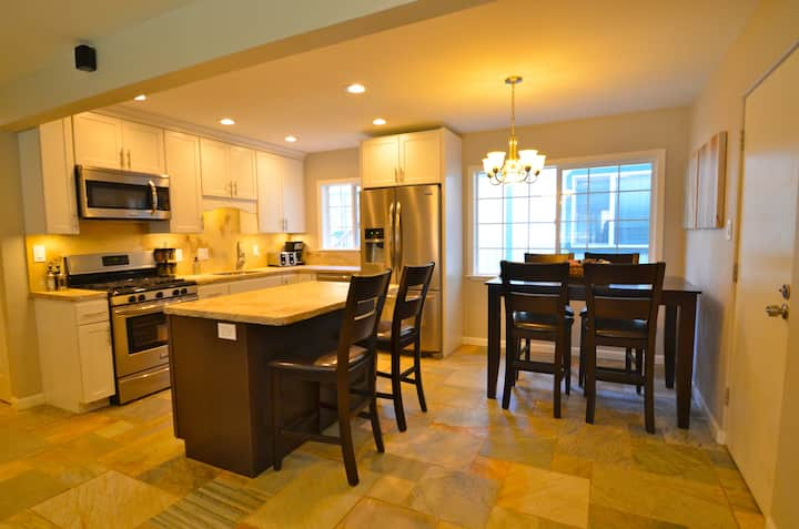 5 Luxuriously Remodeled Condo
