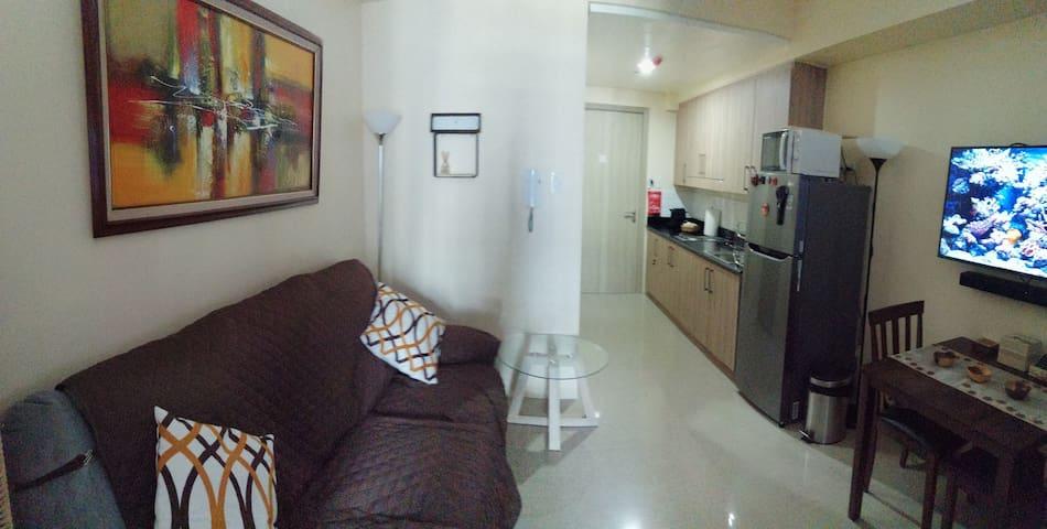 Ellas Pad @ Shore Residences, MoA. Furnished Condo
