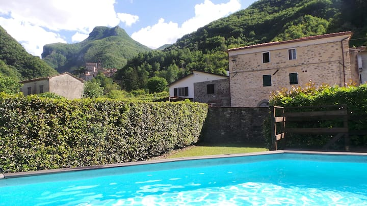 Tuscan Apartment with Pool, Monzone