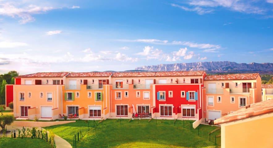 villa T4 - Rousset - House