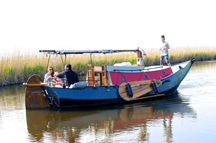 Boat Frederiek - Driehuizen - Barco